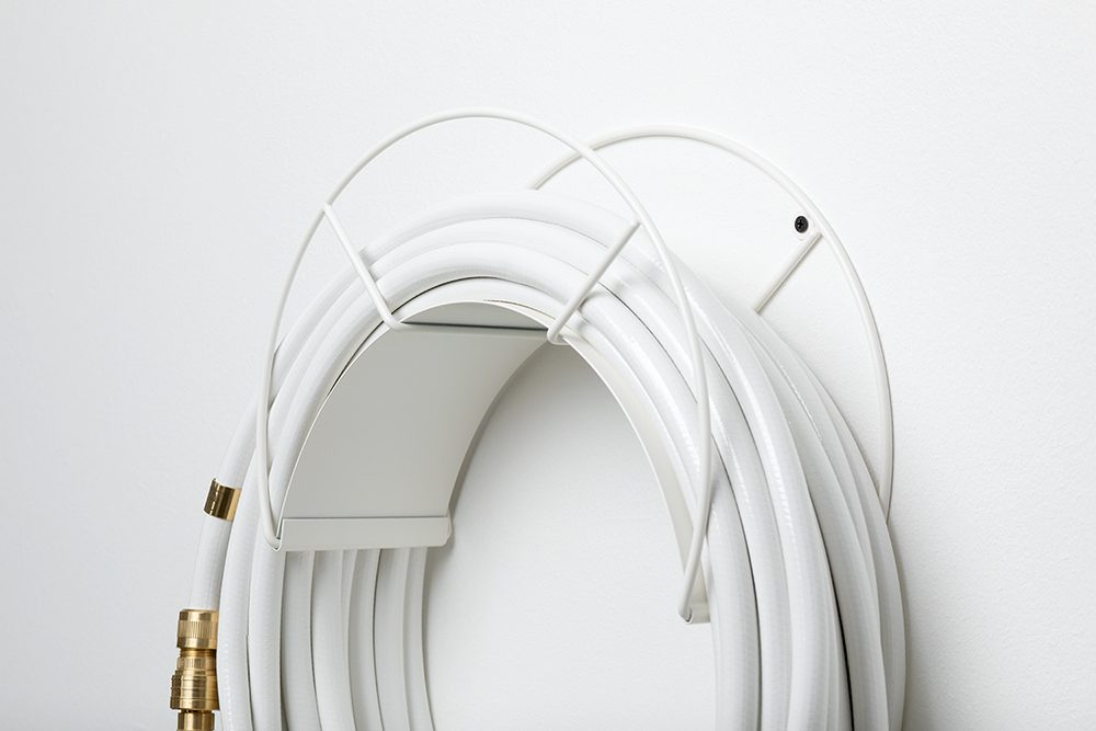 White snake wall mount