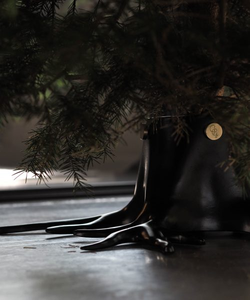 black christmas tree stand