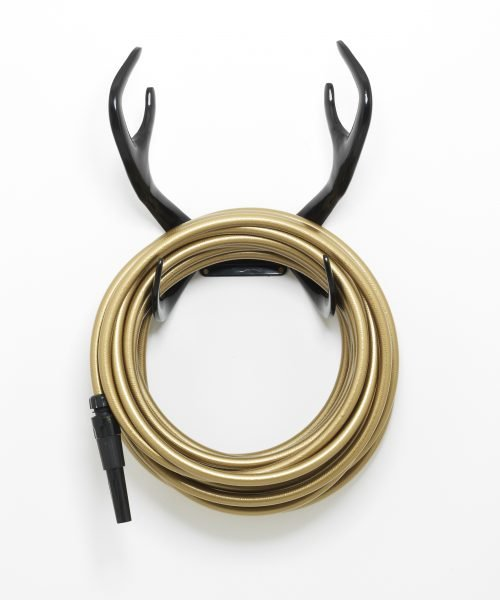 Black antler hose holder, gold hose, black nozzle