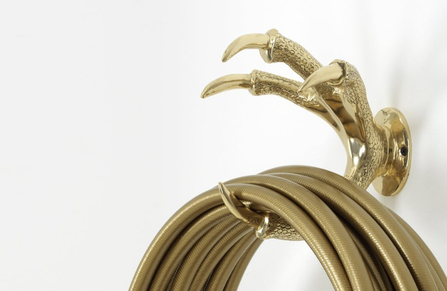 GardenGlory_gold_claw_wallmount
